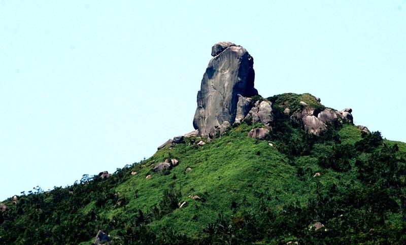 Núi Ông với không gian nổi bật của núi non hùng vĩ